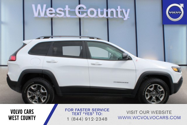 Pre-Owned 2019 Jeep Cherokee 4WD Trailhawk
