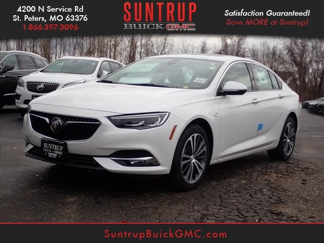 New 2018 Buick Regal Sportback Essence Essence 4dr Sportback In St