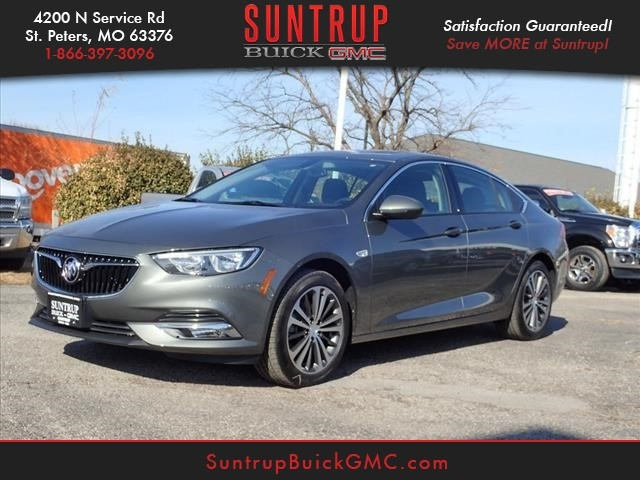 New 2018 Buick Regal Sportback Essence